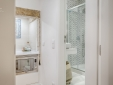 Architectural Bica Apartment clean bathroom