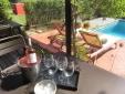 Clos des Aspres - Breakfast at pool