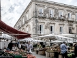 holiday rental ortigia market