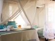 Stay at Pousada la villa caraíva bahia beach four-poster bed cosy instagram