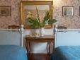Guesthouse Arco dei Tolomei Rome Italy Bedroom Flaminia