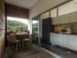 http://www.booking.com/hotel/pt/furnas-lake-villas.pt-pt.html